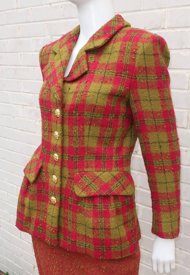 C.1980 Adolfo For Saks Fifth Avenue Plaid Boucle Skirt Suit In Good Condition For Sale In Atlanta, GA