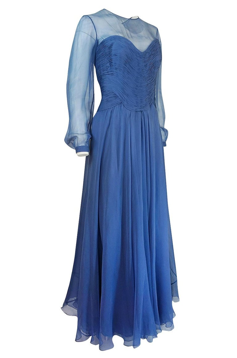 c1986-89 Valentino Haute Couture Beautiful Blue Silk Chiffon Dress In Good Condition For Sale In Rockwood, ON