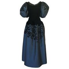 c.1988 Oscar de la Renta Blue Silk & Velvet Applique Dress w Pouf Sleeves