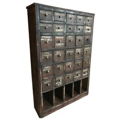 Ca 1900 Vintage industrial workshop pigeon hole cabinet with 30 drawers