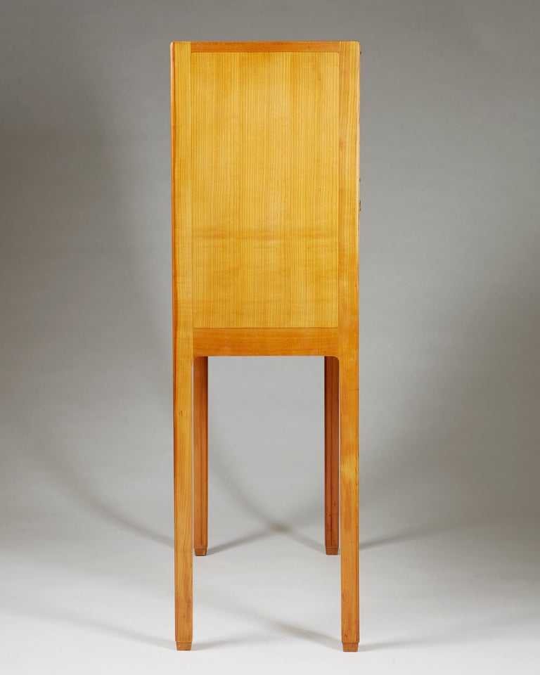 Cabinet Attributed to Hjalmar Jackson, Sweden, 1940s For Sale 3