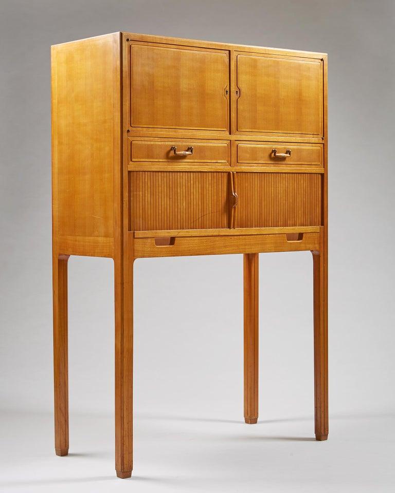 Scandinavian Modern Cabinet Attributed to Hjalmar Jackson, Sweden, 1940s For Sale