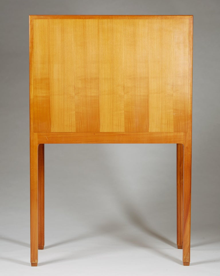 Cabinet Attributed to Hjalmar Jackson, Sweden, 1940s For Sale 2