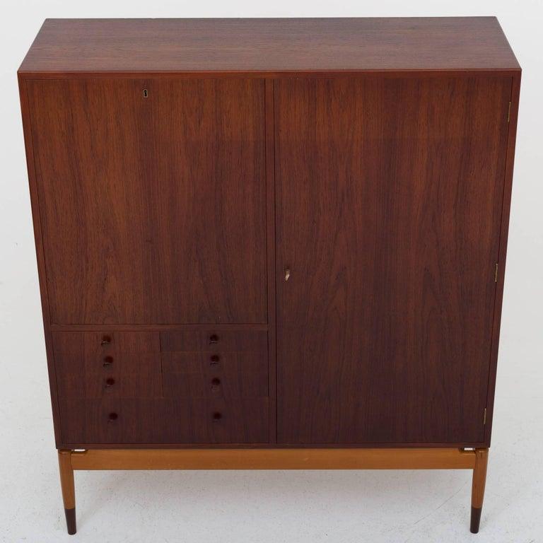 Cabinet by Finn Juhl In Good Condition For Sale In Copenhagen, DK