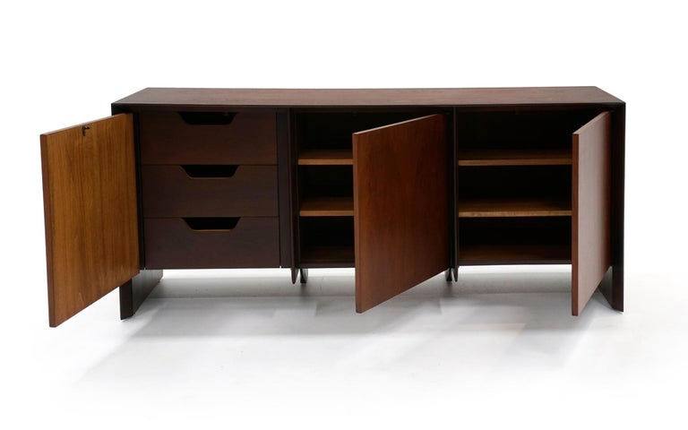 Mid-Century Modern Cabinet / Credenza / Sideboard by Robsjohn Gibbings for Widdicomb, Excellent For Sale