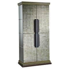 Cabinet Glossy Lacquered Doors Decoreted Diamonds Cut Chips Led Ligh Sensor Ins