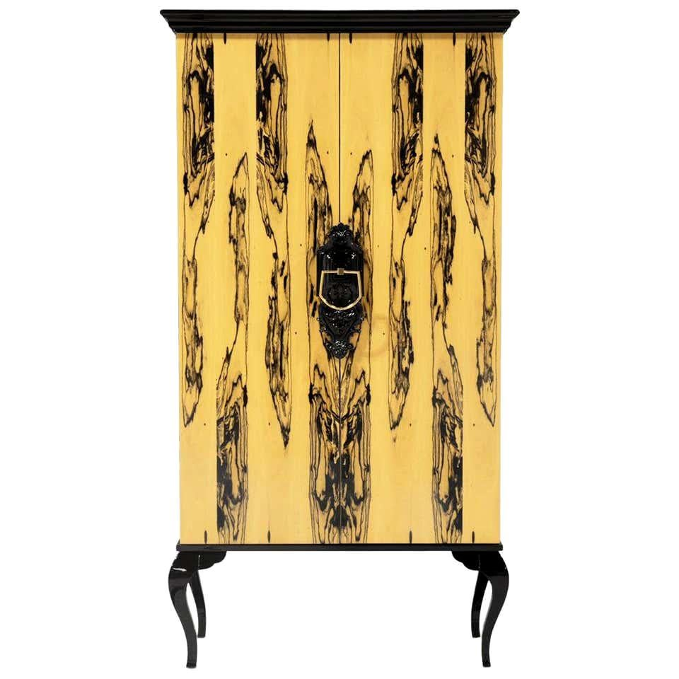 Cabinet in Ebony Royal