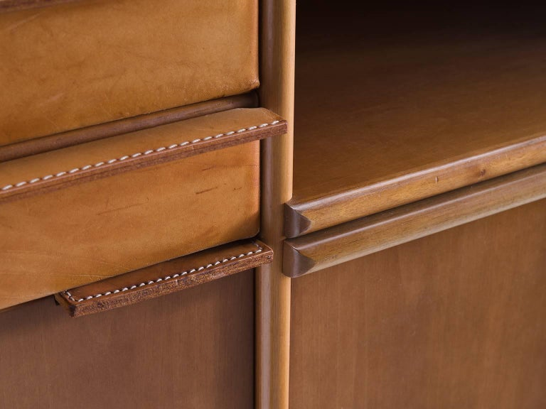Cabinet in Leather and Italian Walnut For Sale 2