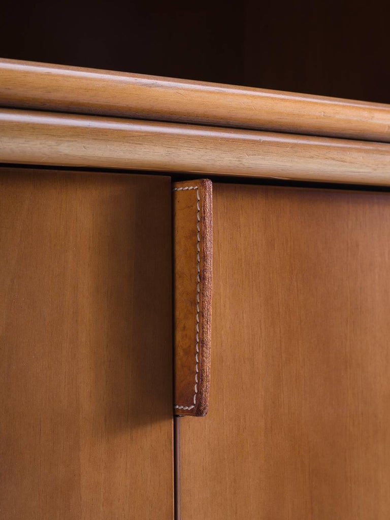 Cabinet in Leather and Italian Walnut For Sale 4