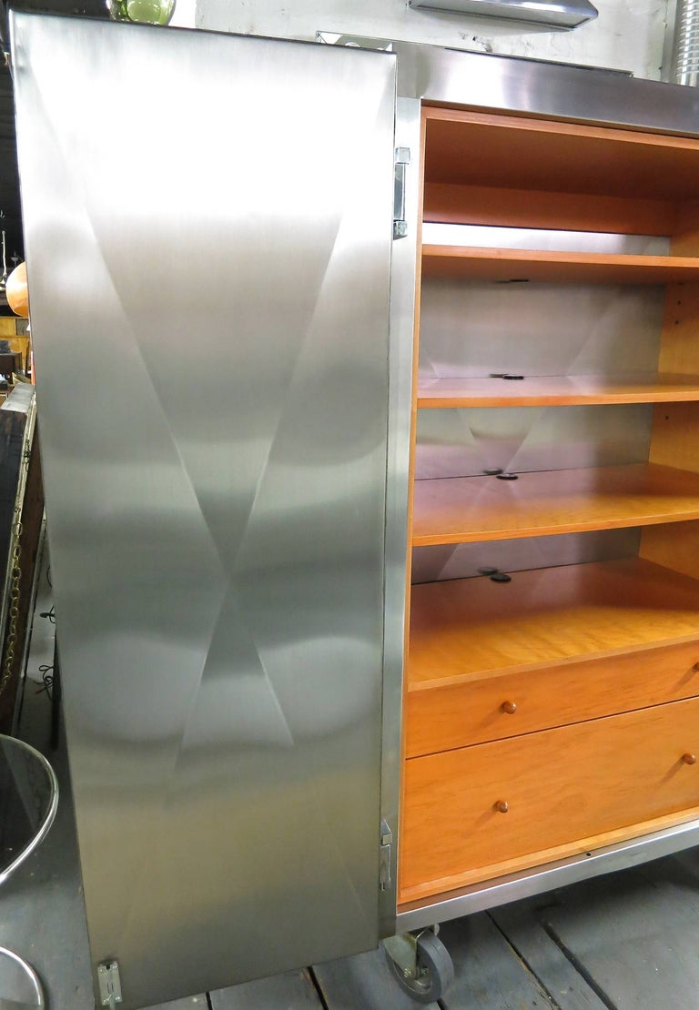 Cabinet in Stainless Steel by Sergio & Monique Savarese of Dialogica, NYC 1990s For Sale 2