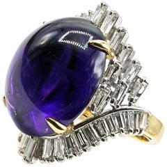 Cabochon Amethyst Diamond 18 Karat Gold 1970s Ring