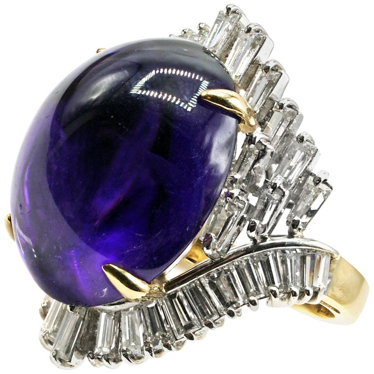 Cabochon Amethyst Diamond 18 Karat Gold 1970s Ring For Sale