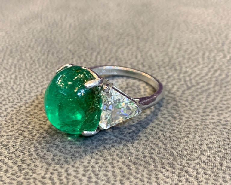 Cabochon Colombian Emerald and Diamond Three-Stone Ring For Sale 4