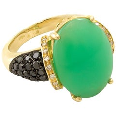 Cabochon Cut Green Chrysoprase and Black Diamond 18 Karat Gold Cocktail Ring