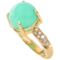 Cabochon cut Green Chrysoprase and White Diamond 18kt Yellow Gold Cocktail Ring
