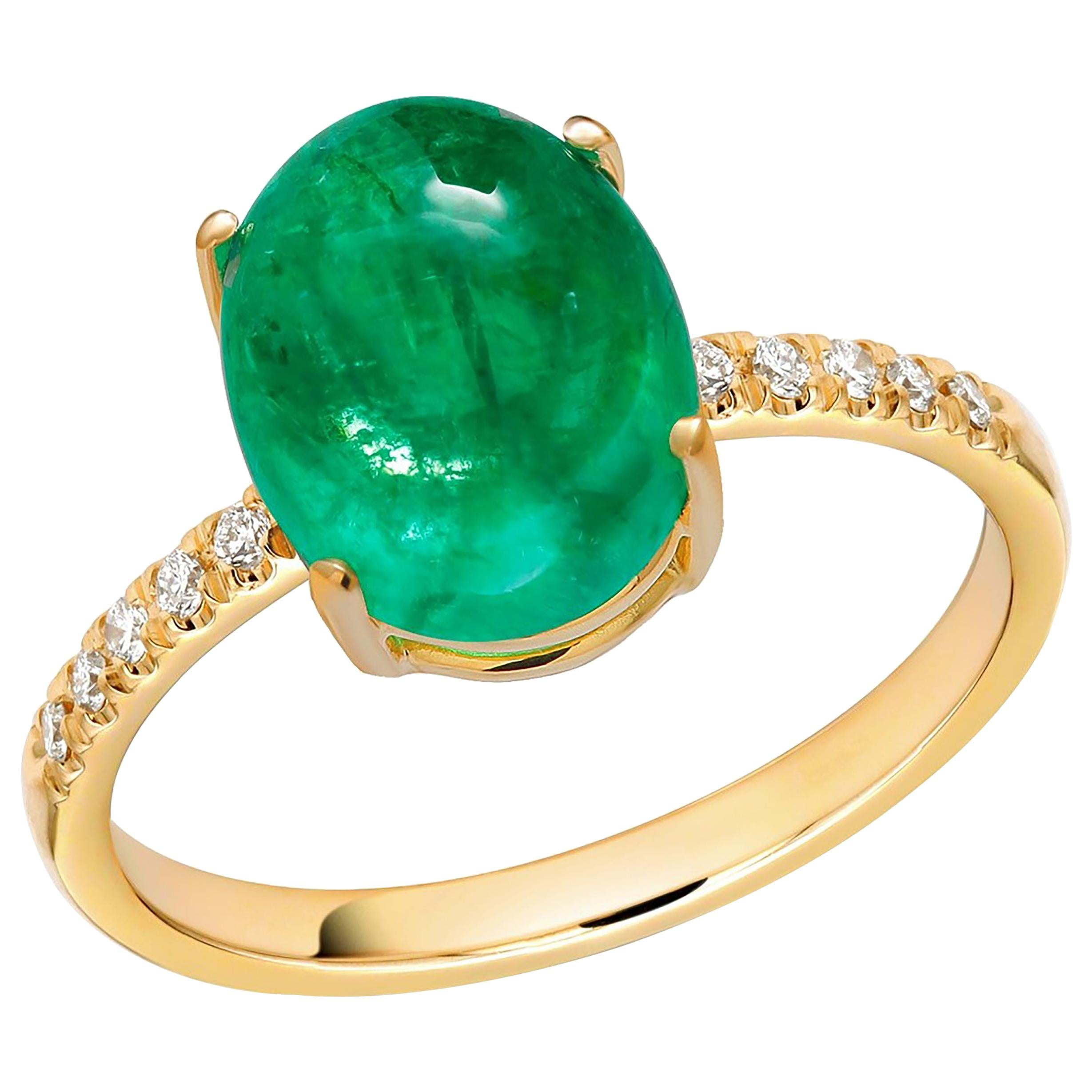 Cabochon Emerald and Diamonds Yellow Gold Cocktail Ring Weighing 7.05 Carat