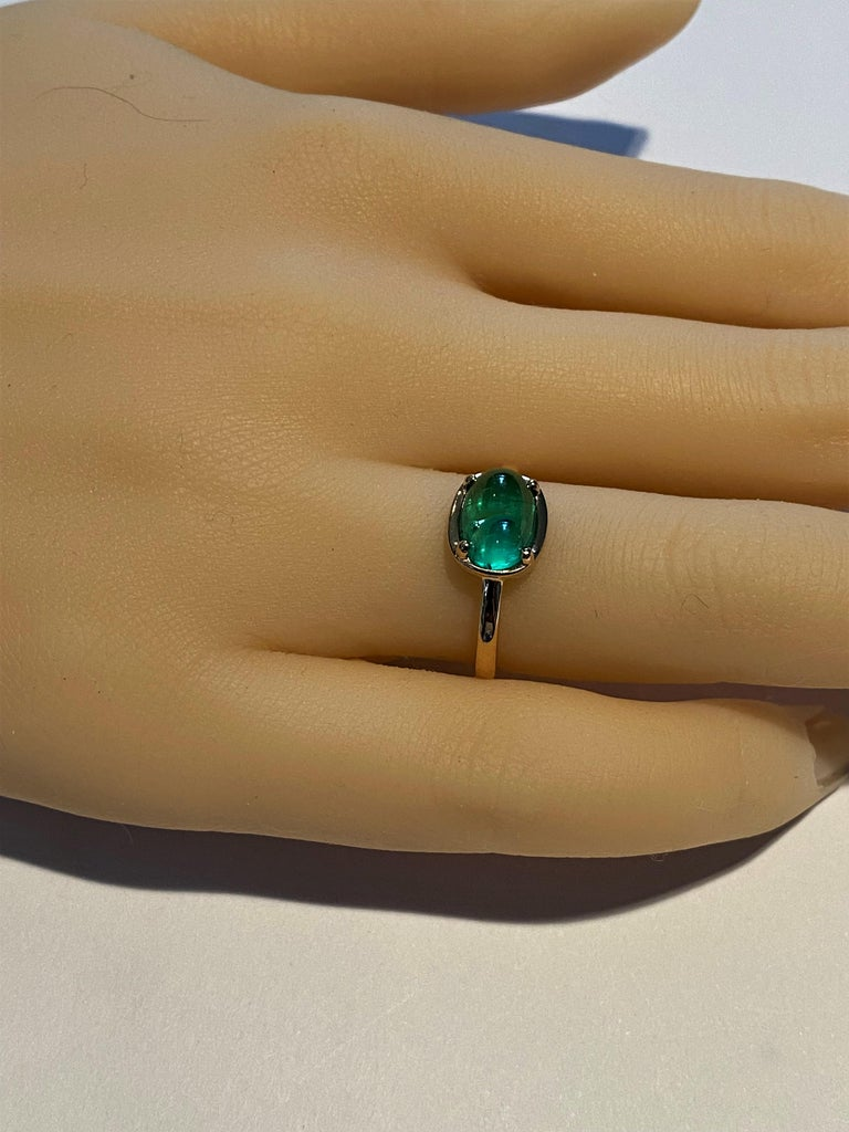 Contemporary Cabochon Emerald Solitaire Rose Gold Ring Weighing 2.40 Carats For Sale