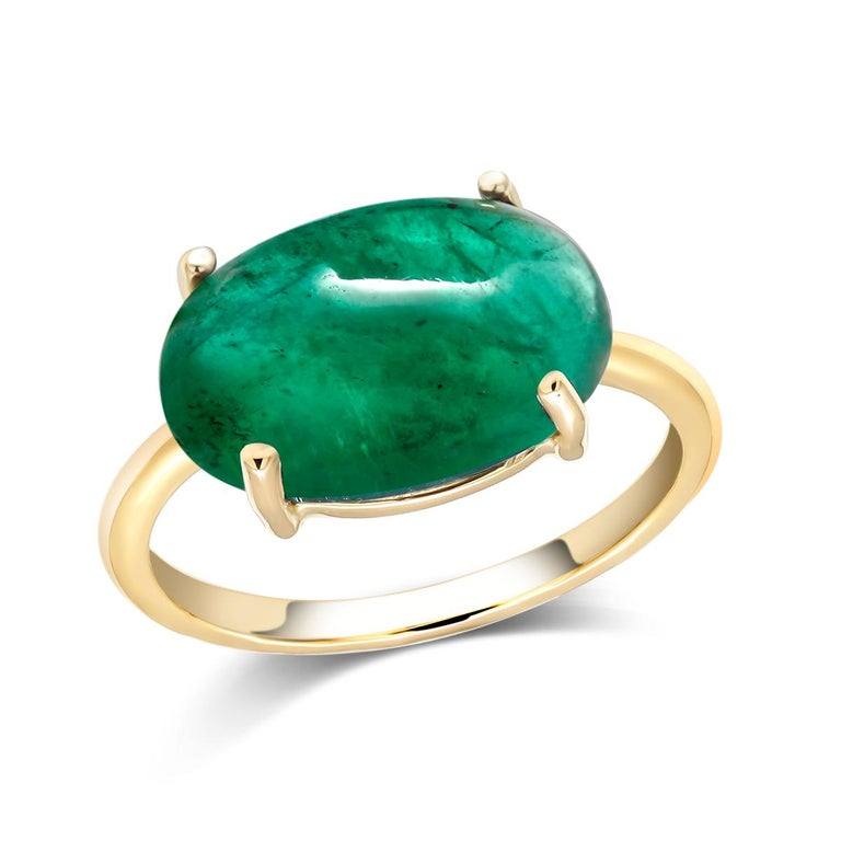 OGI Cabochon Emerald Set Sideway in Solitair Yellow Gold Cocktail Ring For Sale 2
