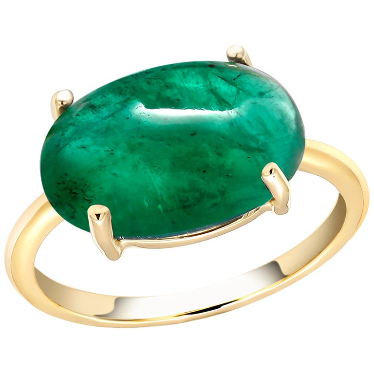 OGI Cabochon Emerald Set Sideway in Solitair Yellow Gold Cocktail Ring In New Condition For Sale In New York, NY