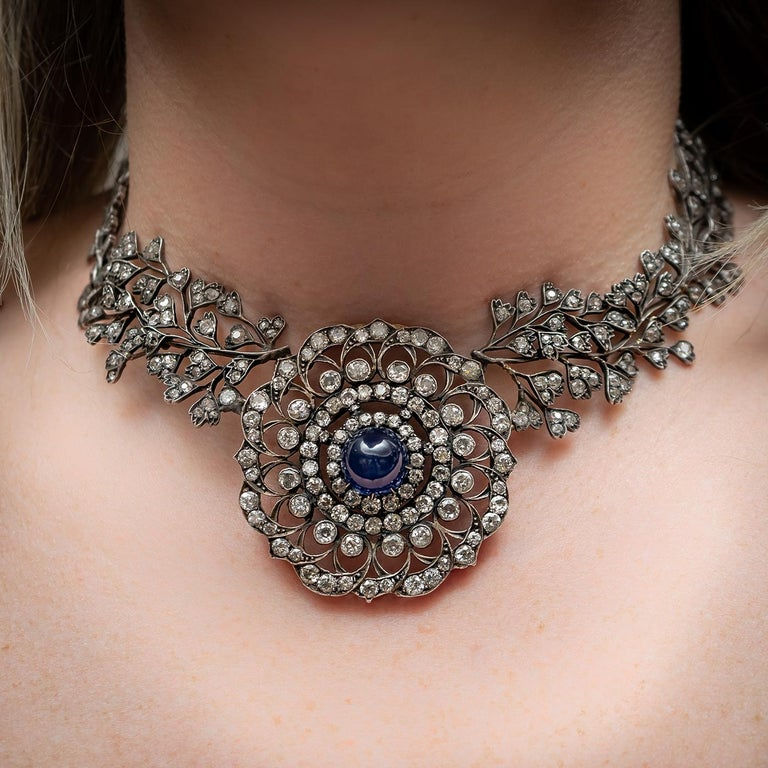 Cabochon Sapphire Diamond Necklace In Good Condition For Sale In London, GB