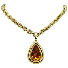 Cada 32.00 Carat Cabouchon Citrine Pendant and 18 Carat Yellow Gold Trace Chain