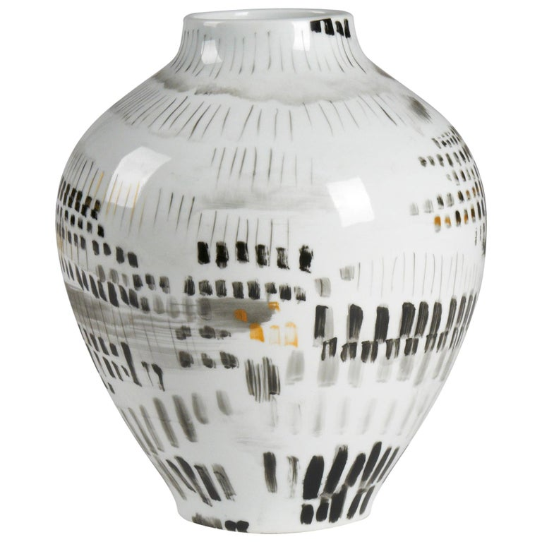 Cade Decorative Abstract Vase in Porcelain by CuratedKravet For Sale