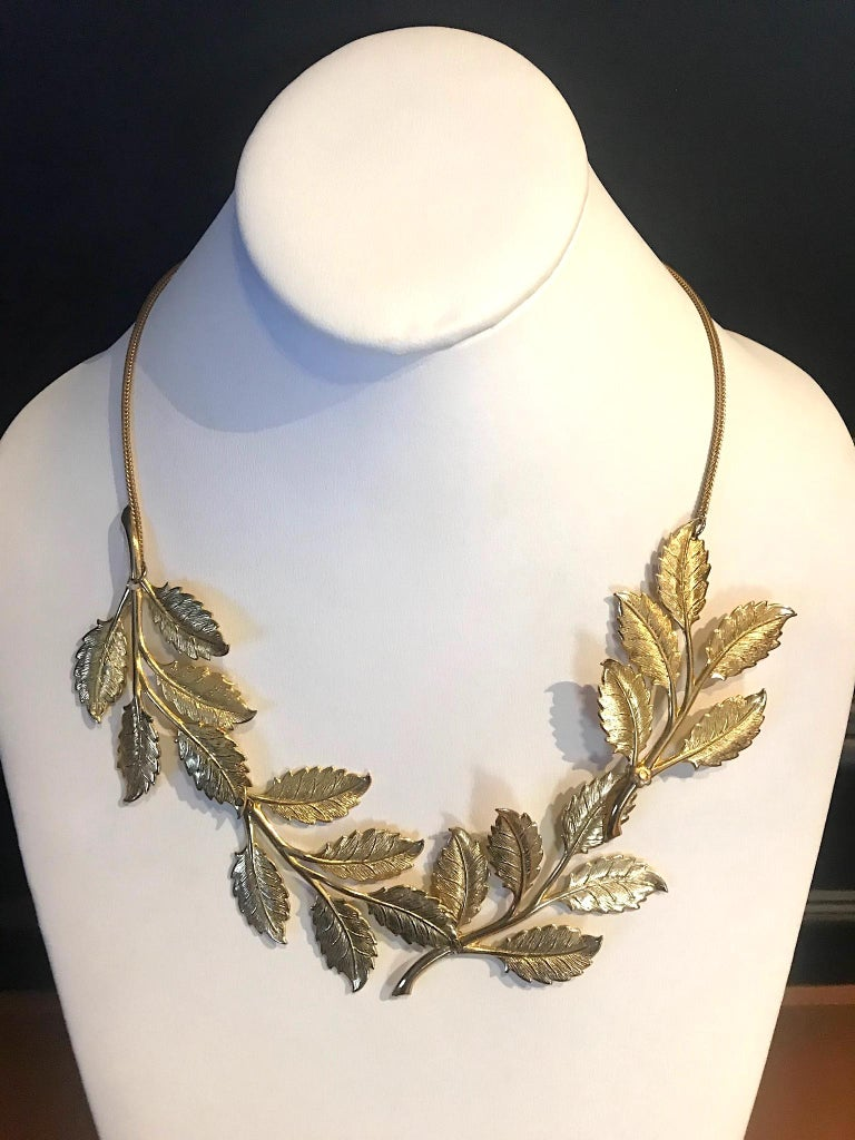 Cadoro 1960s Gold Laurel Leaf Victory Neclace In Good Condition For Sale In New York, NY