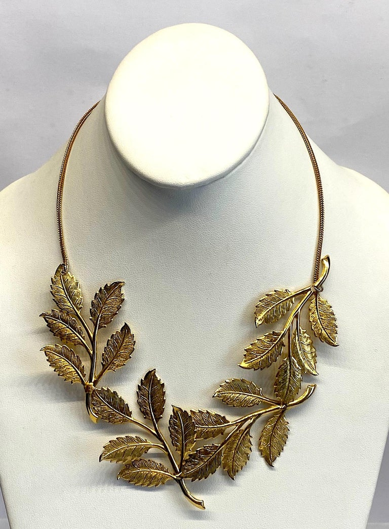 Cadoro 1960s Gold Laurel Leaf Victory Neclace For Sale 1