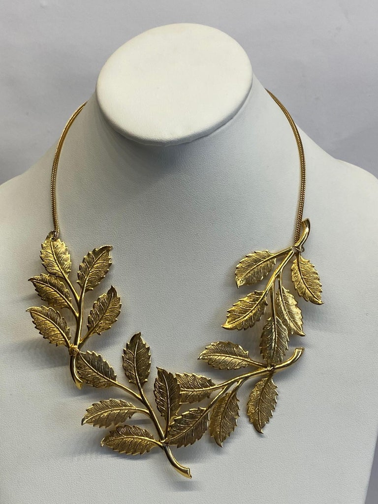 Cadoro 1960s Gold Laurel Leaf Victory Neclace For Sale 2