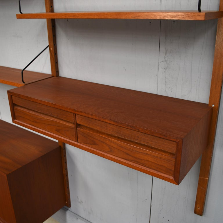Cadovius Wall Unit 'Royal' Series in Teak - Denmark, 1950s For Sale 4
