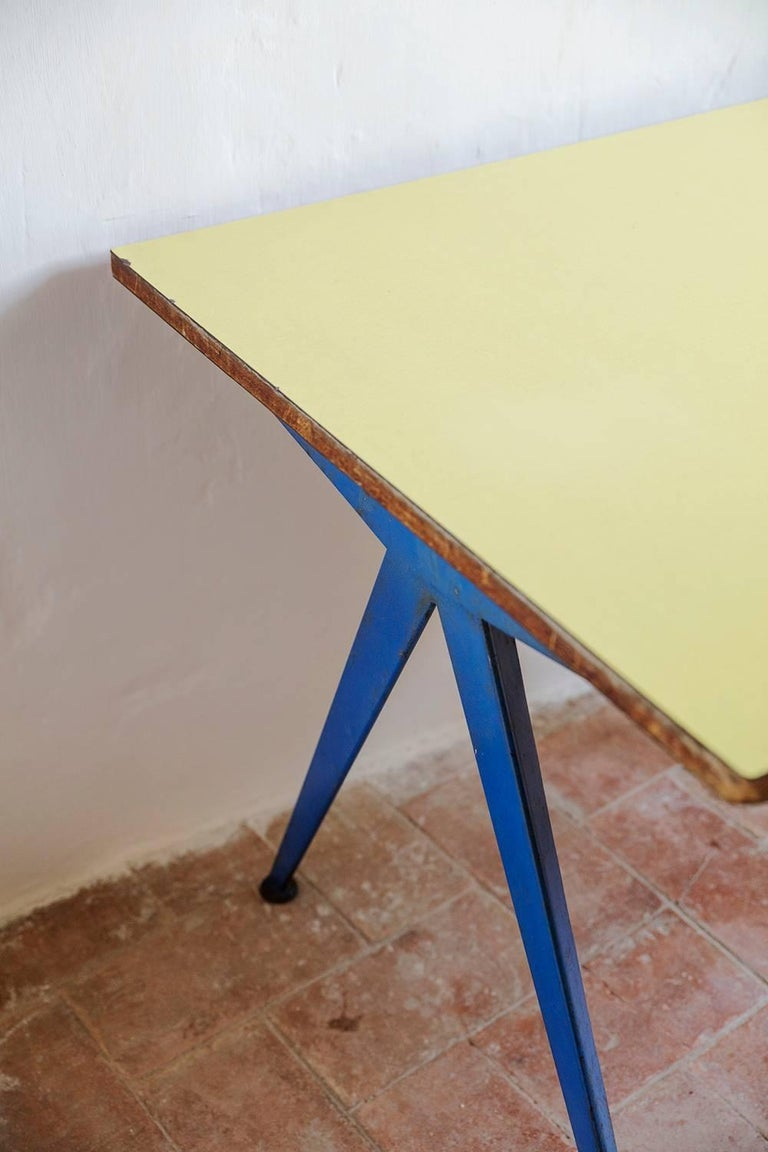 Mid-Century Modern Cafeteria Table N. 512,