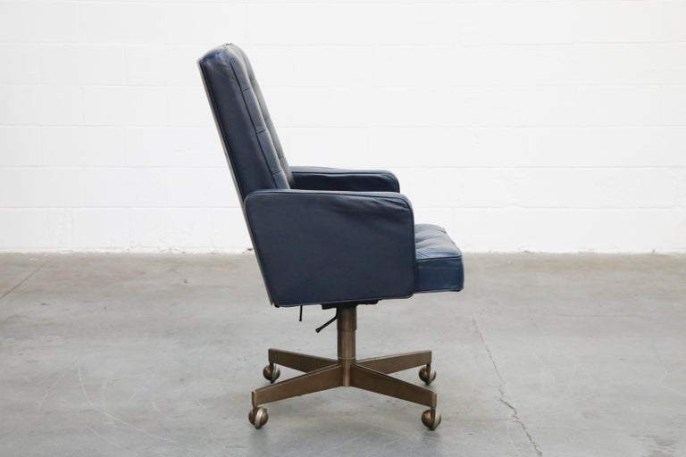Cafiero Executive Chair by Vincent Cafiero for Knoll International, Signed In Good Condition For Sale In Los Angeles, CA