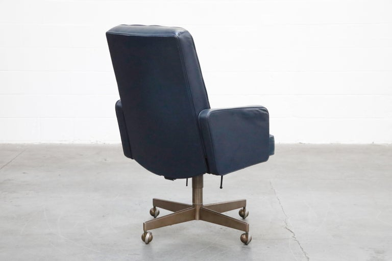 Late 20th Century Cafiero Executive Chair by Vincent Cafiero for Knoll International, Signed For Sale