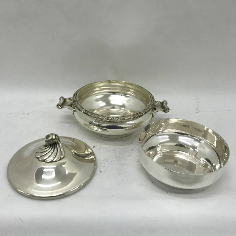 Machine-Made Cailar Bayard Early 20th Century Art Deco Silver Plated French Entree Dish For Sale