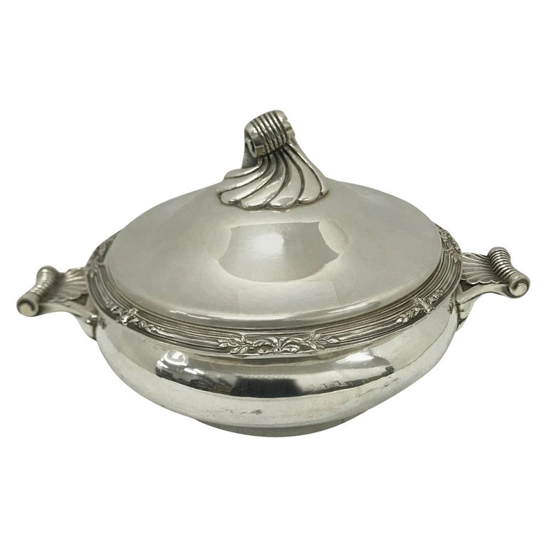 Cailar Bayard Early 20th Century Art Deco Silver Plated French Entree Dish For Sale