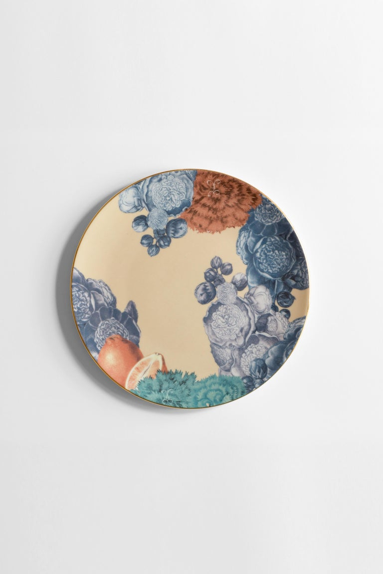 Italian Cairo, Six Contemporary Porcelain Dinner Plates with Decorative Design For Sale