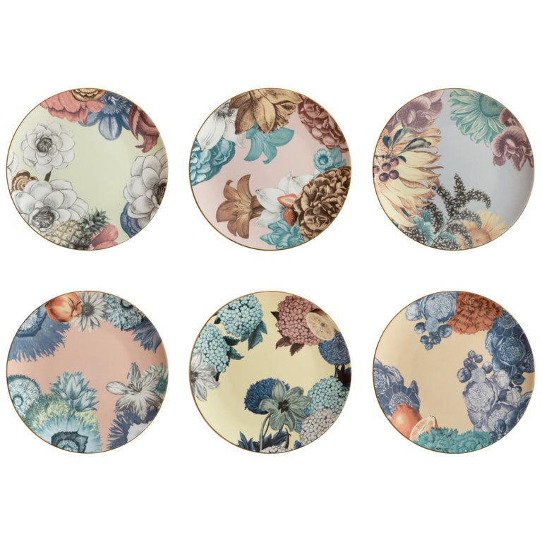 Cairo, Six Contemporary Porcelain Dinner Plates with Decorative Design For Sale