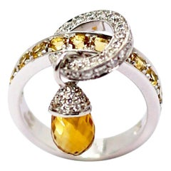 Calgaro 18 Karat White Gold Ring with Yellow Lemon Briolet Quartz Acorn