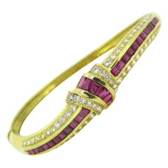 Calibrated Rubies and Diamonds Bangle Bracelet, 18kt Yellow Gold