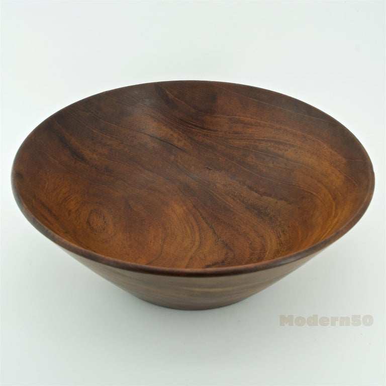 California Studio Craft Mahogany Centerpiece Fruit Bowl by Bob Stocksdale In Fair Condition For Sale In Washington, DC