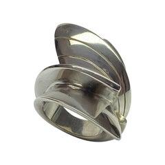 Callas, Sculpture Ring