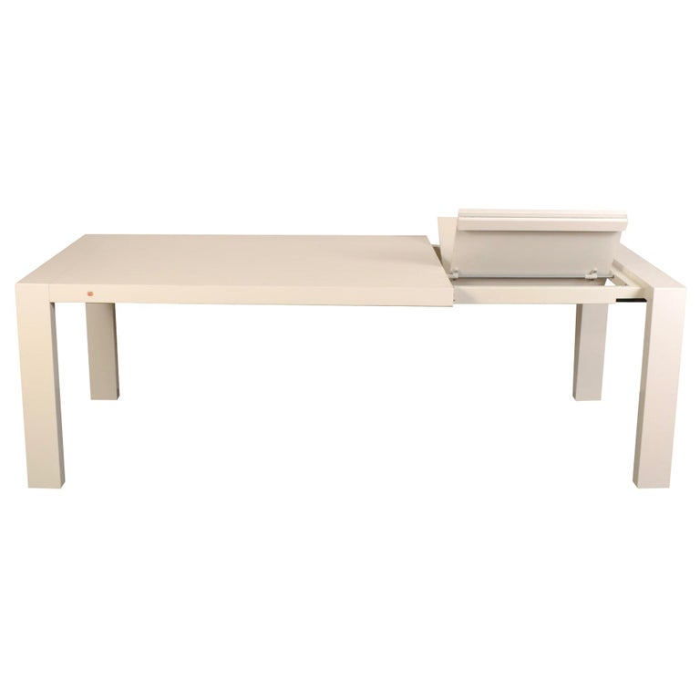 Calligaris White Lacquer Butterfly Leaf Dining Table For Sale
