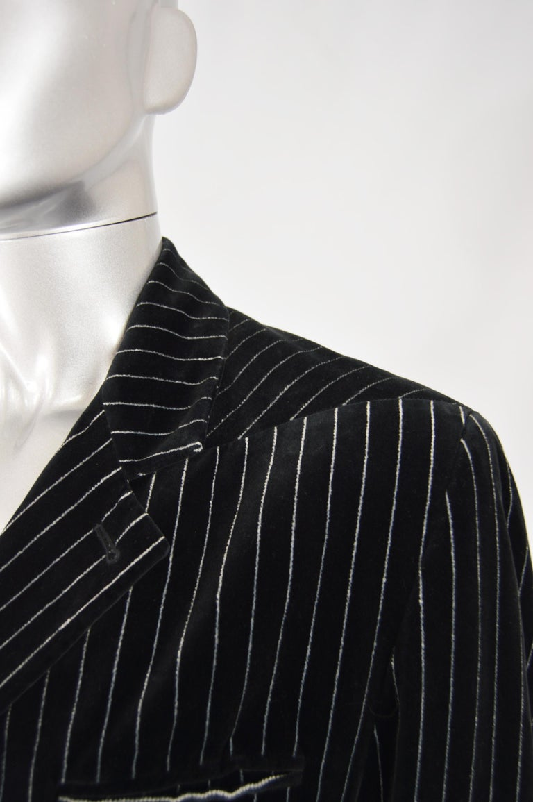 Calugi e Giannelli Mens Velvet Pinstripe Suit In Excellent Condition For Sale In Doncaster, South Yorkshire