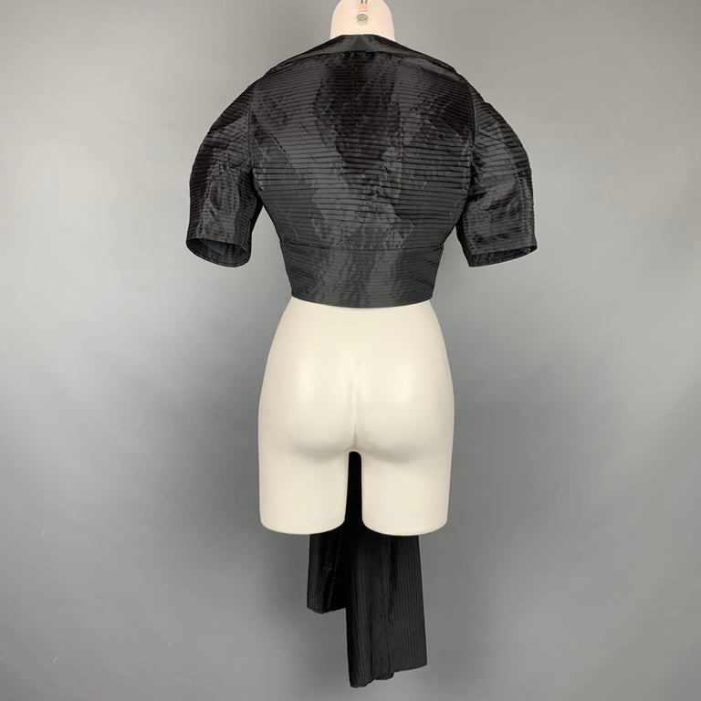 CALVIN KLEIN Size L Black Pleated Long Panel Open Front Capelet In Good Condition For Sale In San Francisco, CA