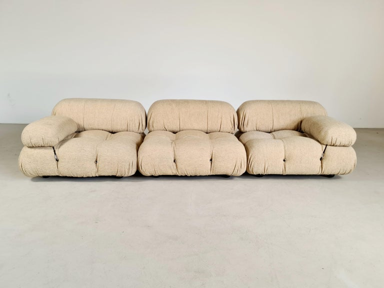 Mario Bellini Camaleonda sofa from the 1970s. The sectional elements of this sofa can be used freely and apart from one another. Because the sofa is modular and backs and armrests are provided with rings and carabiners, you can create many