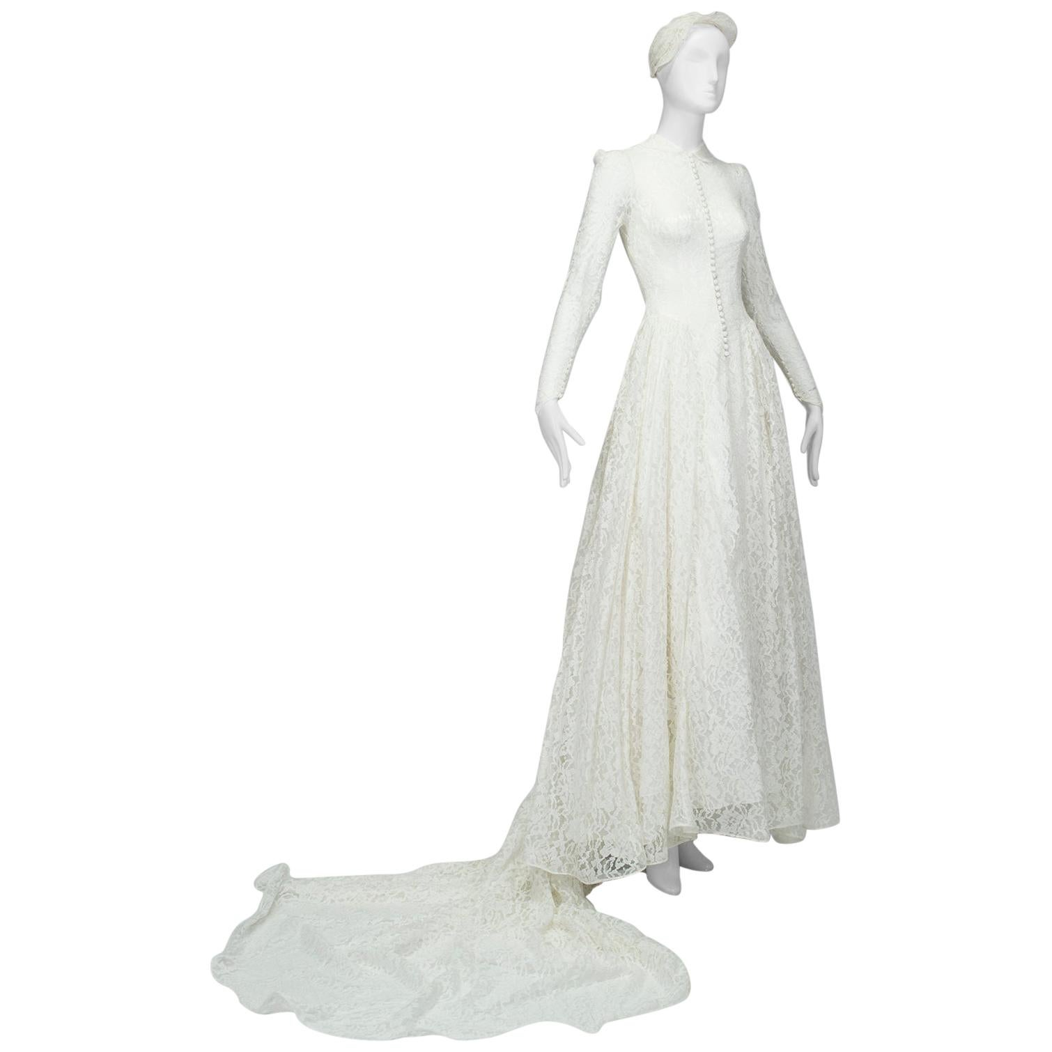 Cambridge-Style Ivory High-Neck Illusion Wedding Gown and Juliet Cap – XS, 1951