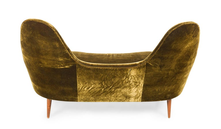 Camelback Settee in the Manner of Cesare Lacca by Lost City Arts In Excellent Condition For Sale In New York, NY