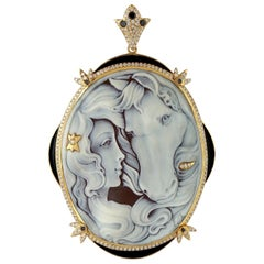 Cameo Diamond 18 Karat Gold Pendant Necklace