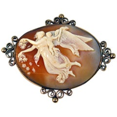 Cameo Brooch Gold 585 Shell Winged Nymph Cherub of Marriage Vienna, circa 1870