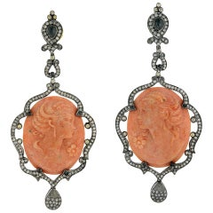Cameo Earring with Diamonds in Silver and Gold